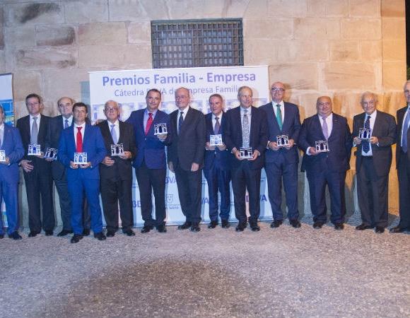 Conesa recibe el premio Familia-Empresa del Instituto San Telmo